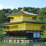 足利義満が金閣寺を建てた理由やその後の歴史。頂上の鳳凰とは?